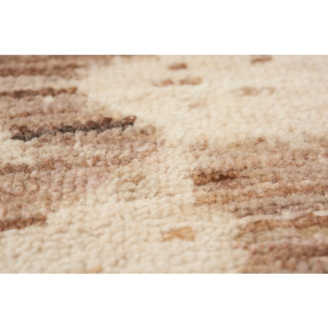 Schumacher Miraj Area Rug in Hand-Knotted Wool Silk, Patterson Flynn Martin For Sale In New York - Image 6 of 7