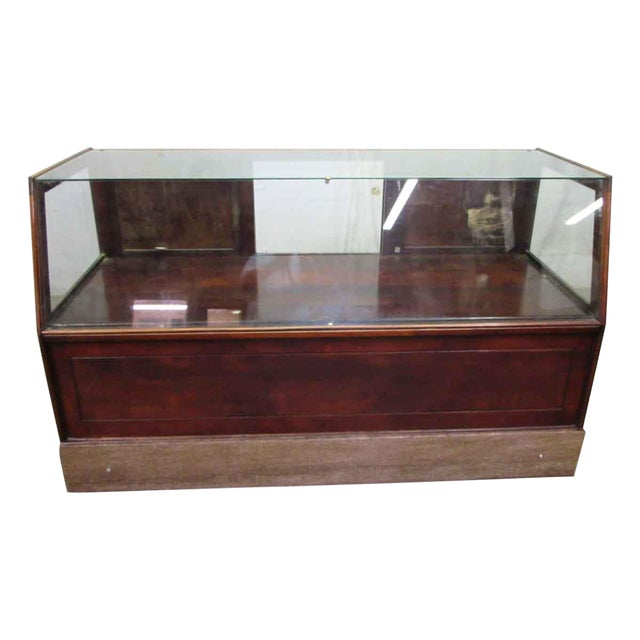 MC Lean Mfg. Co. Display Case c. 1921 For Sale