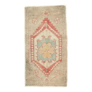 Vintage Turkish Oushak Yastik Scatter Rug, Small Accent Rug - 01'09 X 03'03 For Sale