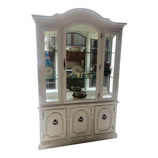 Thomasville Anique White Seranade Lighted China Cabinet