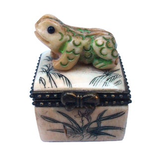 Japanese Carved Bone Frog Box For Sale