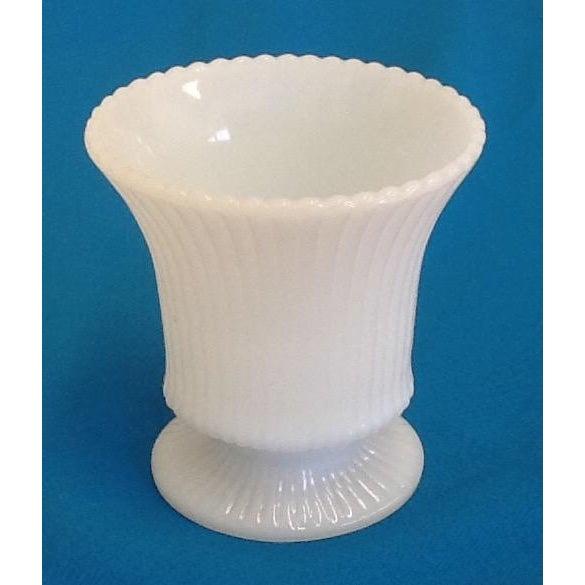 Small Vintage Milk Glass Vase - Image 2 of 5
