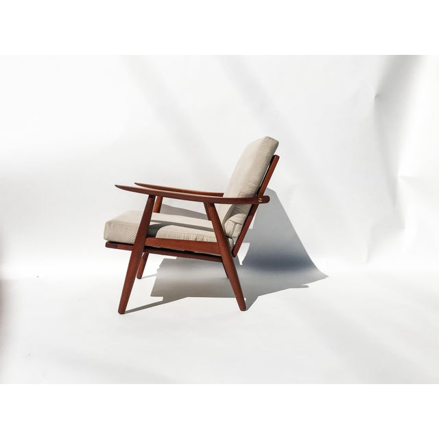 "Mid-Century Modern 1950s Hans J Wegner ""Getama 270"" Easy Chairs - a Pair For Sale - Image 3 of 8"