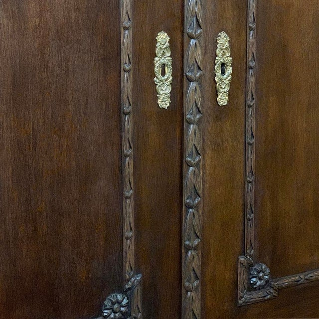 18th Century Dutch Hand Carved Linen Press For Sale - Image 12 of 13