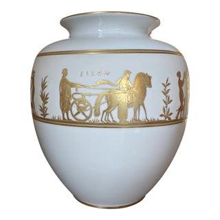 Mid-Century Italian Arrigo Finzi Oro Zecchino Neoclassical Porcelain Vase For Sale