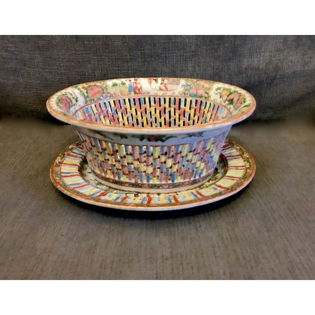 Chinese Export Rose Medallion Reticulated Bowl and Underplate, circa 1860 For Sale - Image 10 of 10