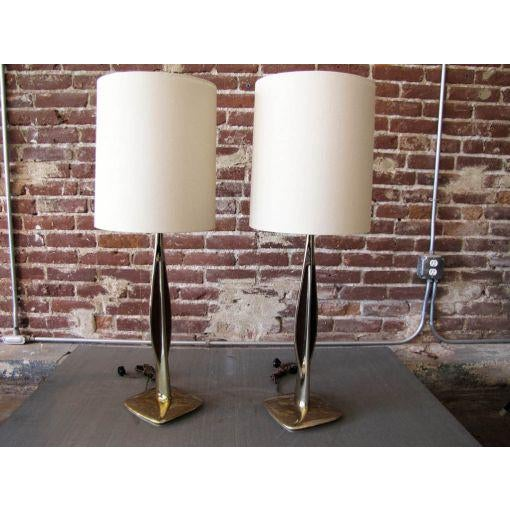 Mid-Century Modern Laurel Brass & Wooden Inlay Table Lamps - A Pair For Sale - Image 3 of 7