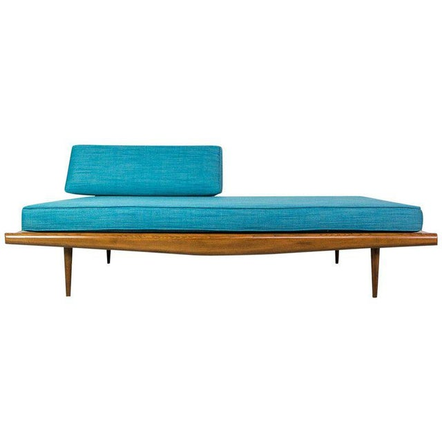 1950s American Design Daybed in Walnut by Adrian Pearsall For Sale - Image 5 of 5