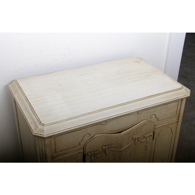 Vintage French Provincial Style Cabinet - Image 2 of 7