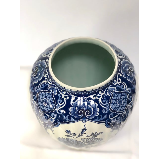 Mid-20th Century Dutch Painted Blue and White Faience Delft Ginger Jar For Sale - Image 9 of 12