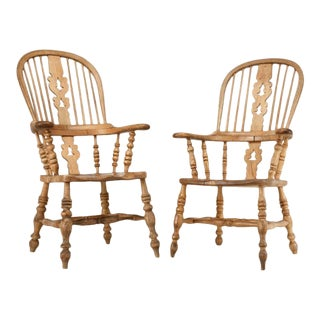 Pair Antique English His & Her Windsor Chairs For Sale