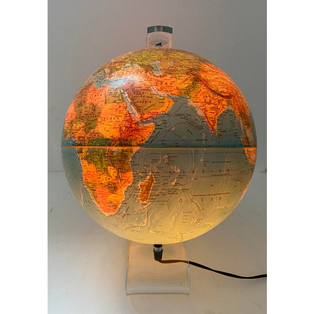 Lucite Holder and Vintage 1987 Illuminated World Globe For Sale In West Palm - Image 6 of 11
