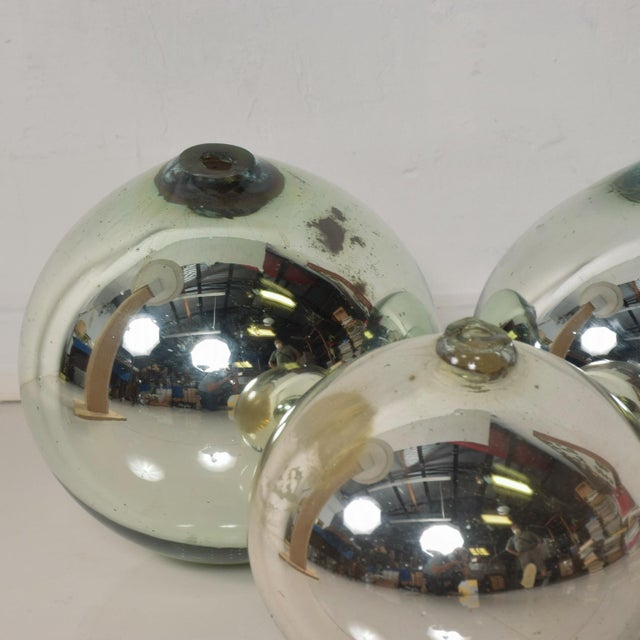Mid-Century Modern Vintage 1950s Mexico Mercury Glass Globes Gazing Ball Spheres- Set of 3 For Sale - Image 3 of 8