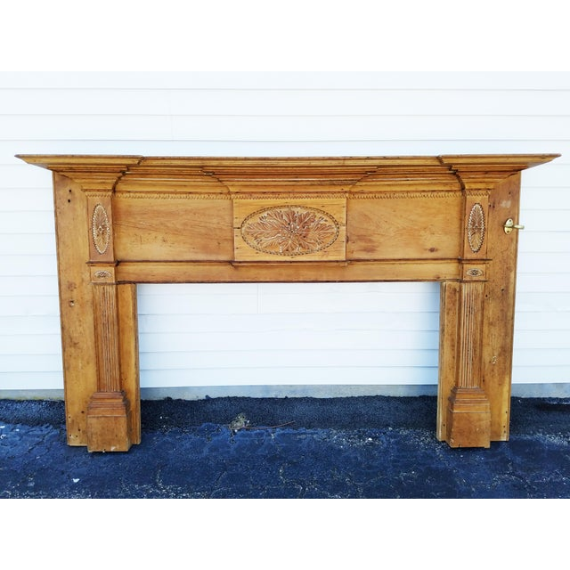 Early 19th Century Federal Wooden Mantel For Sale In New York - Image 6 of 9