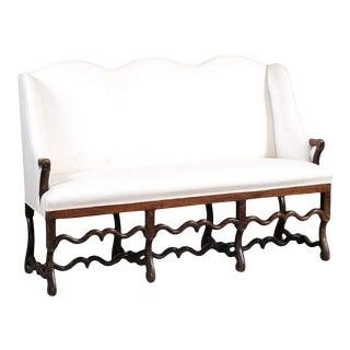 French 18th Century Louis XIV Os De Mouton Walnut Upholstered Canapé à Oreilles Settee For Sale
