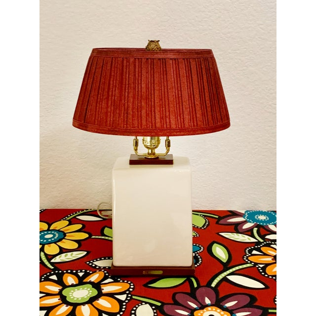 Stylish Ralph Lauren table lamp with a crackle resin finish. Original shade and finial included c. 2016