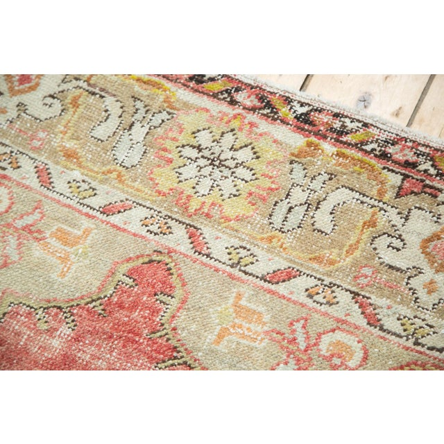 Vintage Oushak Carpet - 4′10″ × 8′2″ For Sale In New York - Image 6 of 10