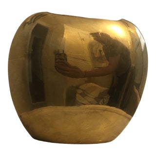 Mid-Century Modern Vintage Minimal Brass Vase For Sale