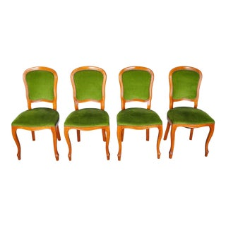 1970s Set of 4 French Louis XV Maple Dining Chairs W/ Green Velvet Upholstery For Sale