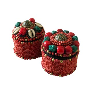 "Nepalese Turquoise and Red Coral Round Boxes 2.5"" H For Sale"