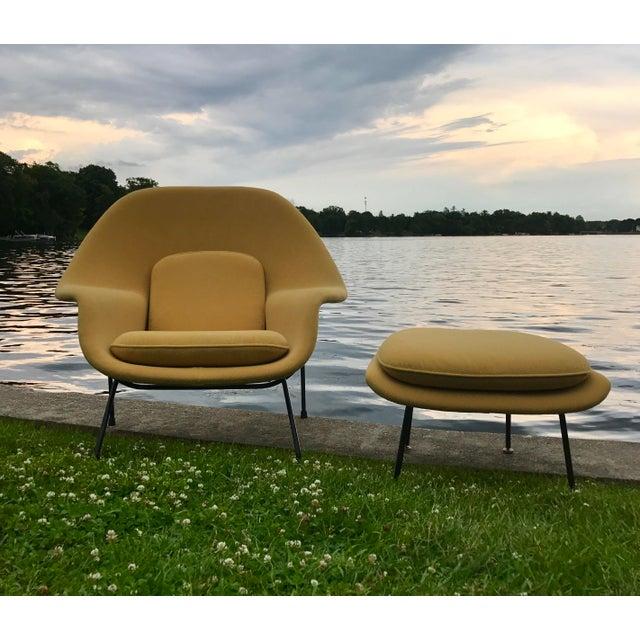 Eero Saarinen for Knoll Womb Chair & Ottoman - Image 4 of 10