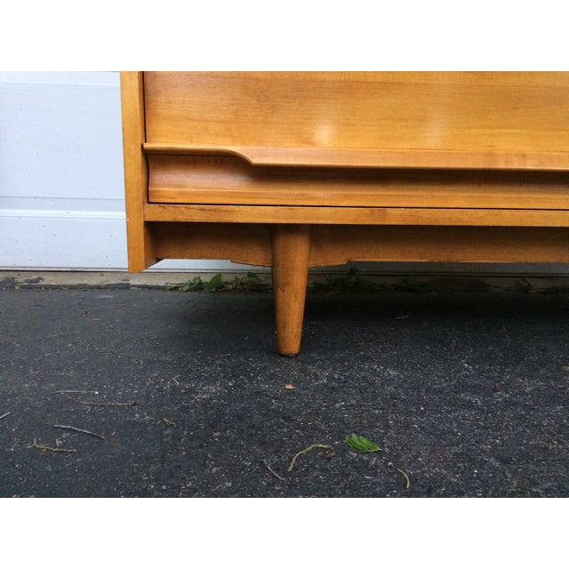 Maple Crawford Mid-Century Maple Lowboy Dresser & Mirror For Sale - Image 7 of 12