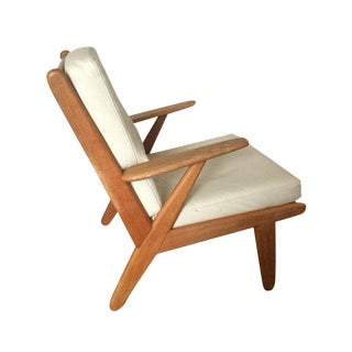 J 53 Lounge Chair in Solid Oak and Leather