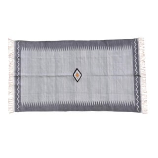 Primrose Rug, 6x9, Light Gray & Dark Gray For Sale