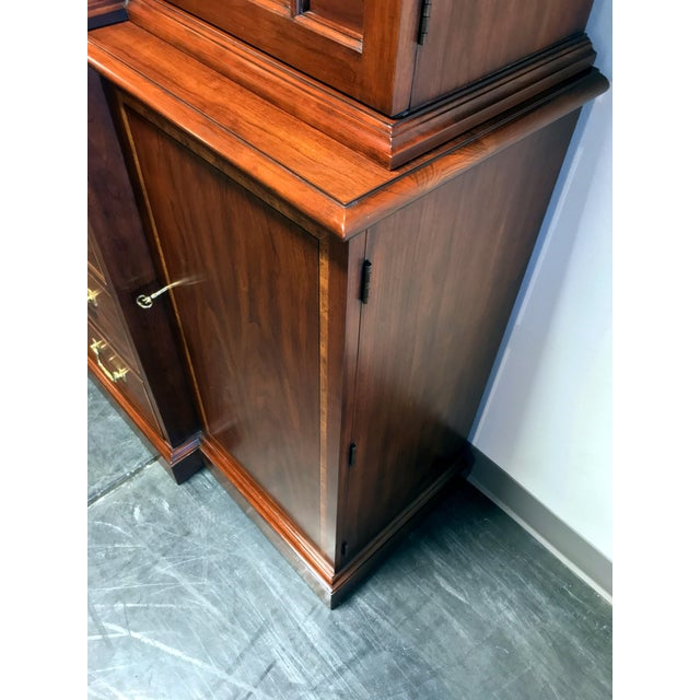 1980s Henkel Harris Solid Wild Black Cherry Chippendale Breakfront China Cabinet For Sale - Image 5 of 13