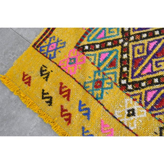 Textile Hand Woven Vintage Turkish Kilim Rug. Wool Braided Area Rug Kilim Jajim- 5′5″ × 7′ For Sale - Image 7 of 9