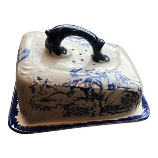 1970s Vintage Victoria Transfer Ware Blue & White Wedge Cheese Plate and Cover For Sale