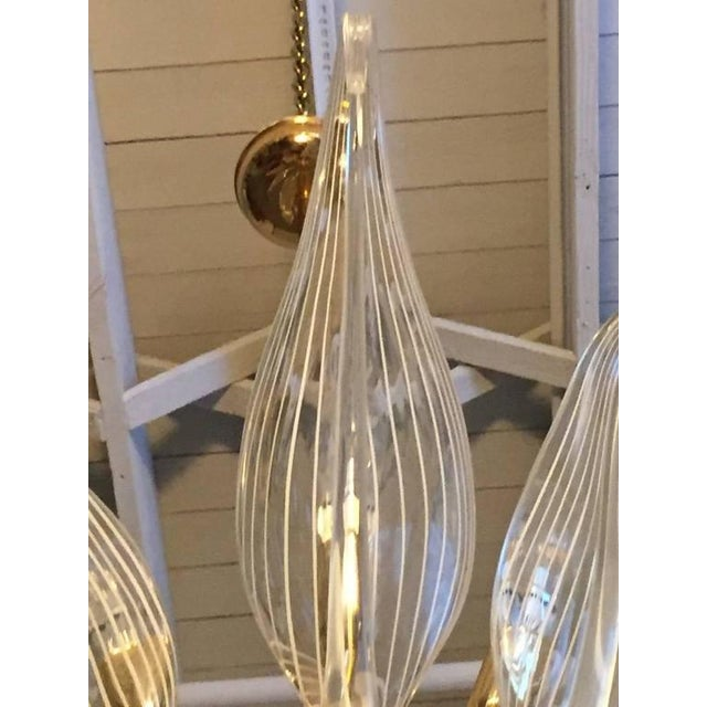 Italian Seguso Murano Glass and Brass Eight-Leaf Cattail Chandelier For Sale In New York - Image 6 of 7