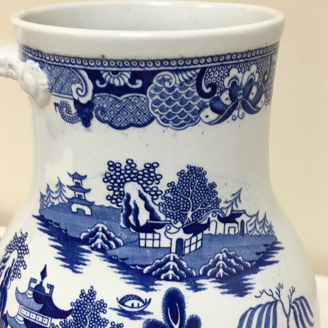 Vintage Blue Willow Vase For Sale In Richmond - Image 6 of 9