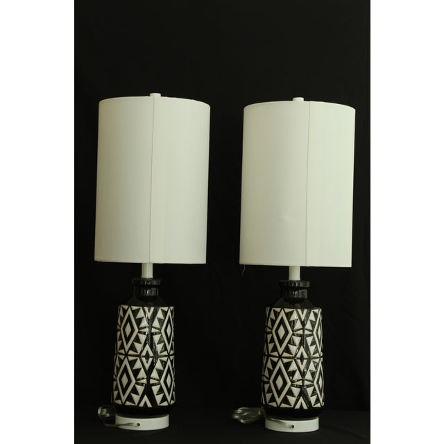 Geometric Ceramic Table Lamps - A Pair For Sale In Miami - Image 6 of 7