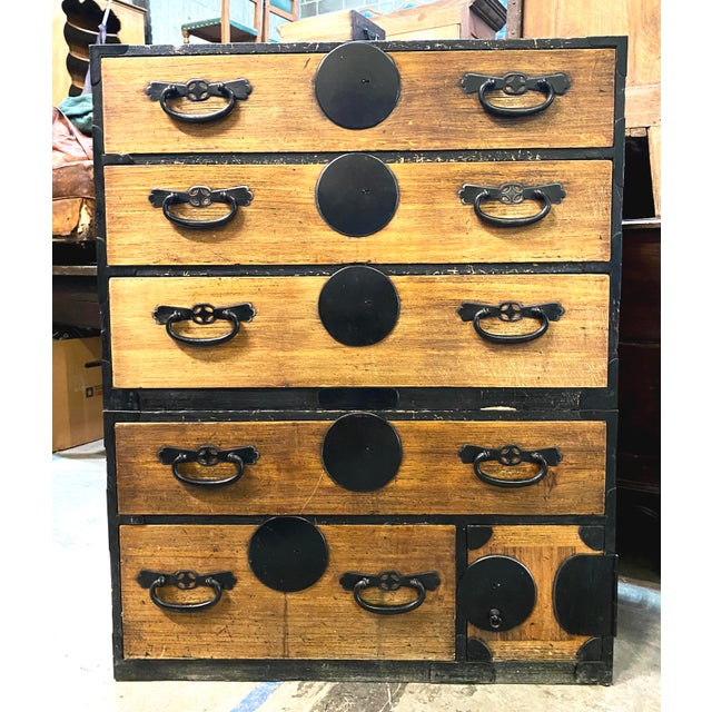 Mid 19th Century Japanese Meiji Period Kiri Wood Tansu Clothing Cabinet For Sale - Image 13 of 13