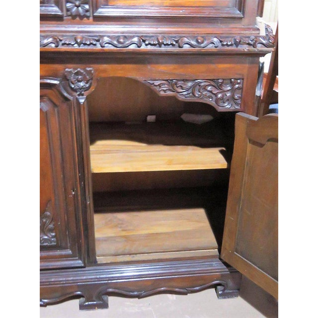 19th Century Carved Georgian Style Two Piece China Closet For Sale In Philadelphia - Image 6 of 9