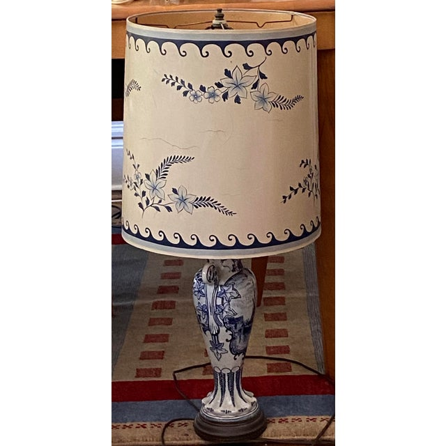 1950s Venetian Chinoiserie Lamp With Painted Shade For Sale - Image 4 of 4