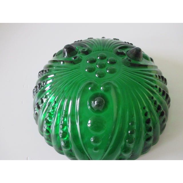 Vintage Emerald Green Round Decorative Bowl For Sale - Image 4 of 5