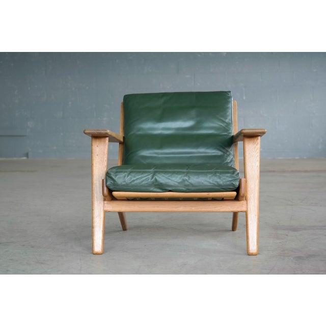GETAMA Hans Wegner Highback Lounge Chair Model GE290 for Getama Oak and Green Leather For Sale - Image 4 of 11