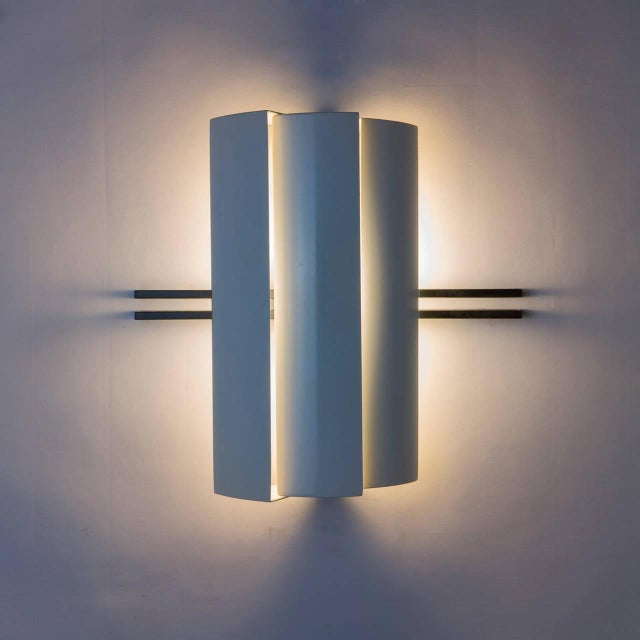 """1980s Pair of """"Stria"""" Sconces by Ernesto Gismondi for Artemide For Sale - Image 5 of 10"""