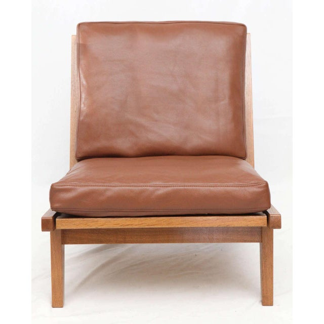Contemporary Pair of Hans Wegner GE-375 Lounge Chairs For Sale - Image 3 of 10