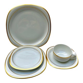 Late 20th Century Vintage Rosenthal Banquet Gold Suomi Fine China Place Setting- 5 Pieces For Sale