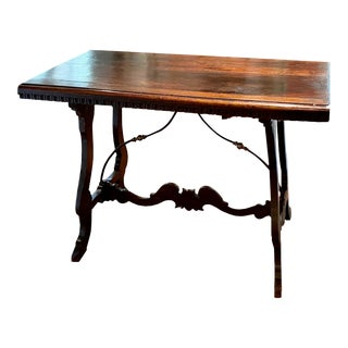 18th Century Italian Walnut Dining Table For Sale