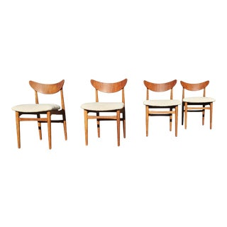 A Set of 4 Danish Modern Dining Chairs by Henning Kjaernulf for Soro Stolefabrik For Sale