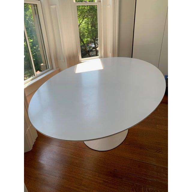Eero Saarinen Mid-Century Modern Eero Saarinen Tulip Dining Table For Sale - Image 4 of 7