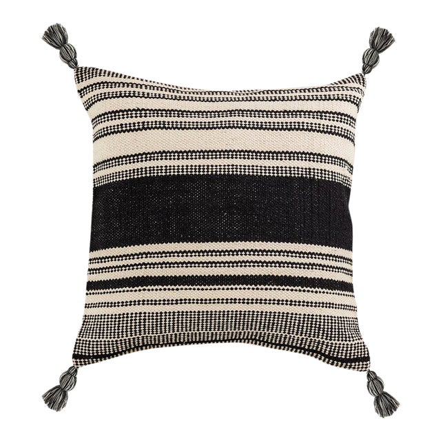 Kennith Ludwig Chicago Farm House Woven Pillow For Sale