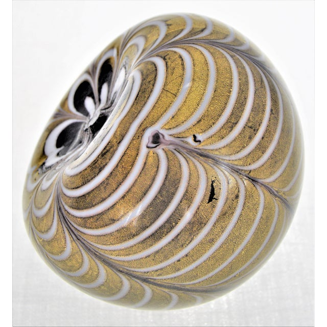 1950s 1950s Murano Glass Gold White and Black Fenicio Paperweight - Italy Mid Century Modern Minimalist Palm Beach Boho Chic Italian Venetian Sommerso For Sale - Image 5 of 13