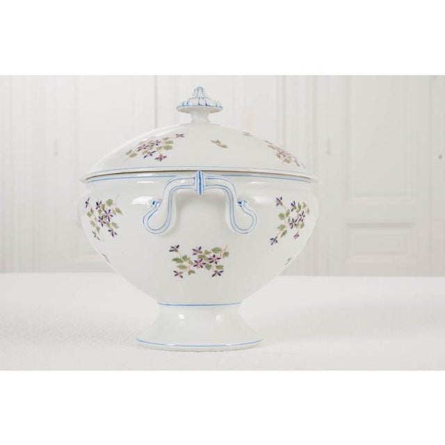Farmhouse French Old Paris Porcelain 'Cornflower' Pattern Tureen For Sale - Image 3 of 8