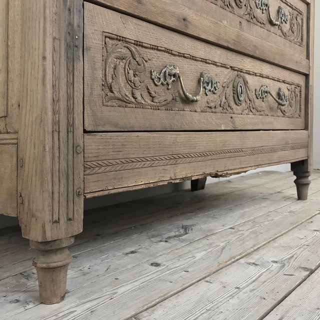 Metal 18th Century French Louis XVI Stripped Oak Commode For Sale - Image 7 of 13