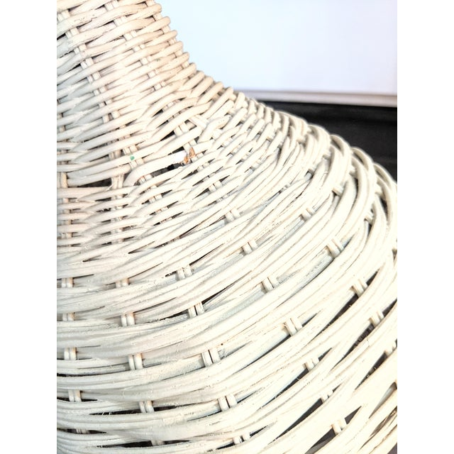 Vintage 1970s Whitewash Wicker Table Lamp For Sale In Portland, ME - Image 6 of 10